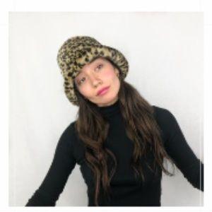 90s Cheetah Bucket hat